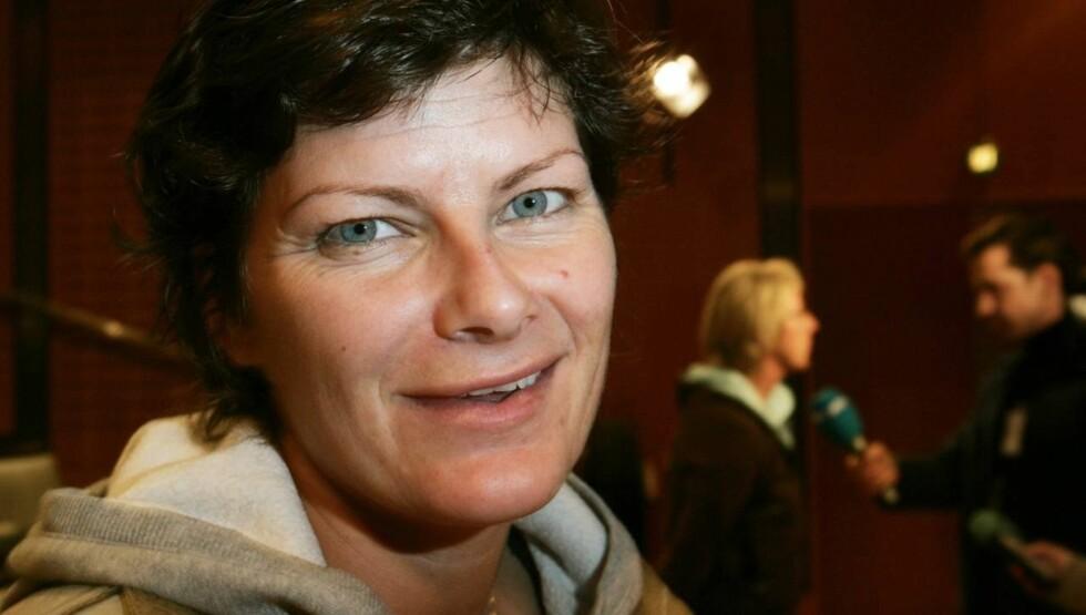 LITT LEIT: En kneskade for ni år siden førte til at Kjersti Grini måtte legge opp håndballkarrieren tidligere enn planlagt. De siste årene har hun blant annet jobbet som ekspertkommentator for TV 2, men i år ble hun vraket til fordel for Gustad.   Foto: SCANPIX