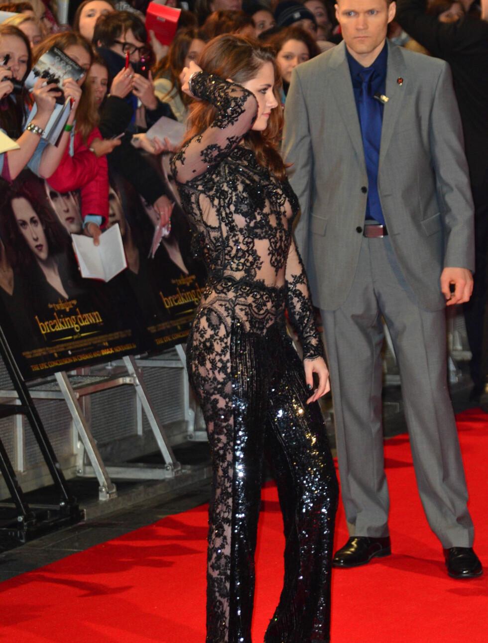 POSERTE VILLIG: Det virker som Kristen Stewart har fått mer selvtillitt den siste tiden.  Foto: All Over Press