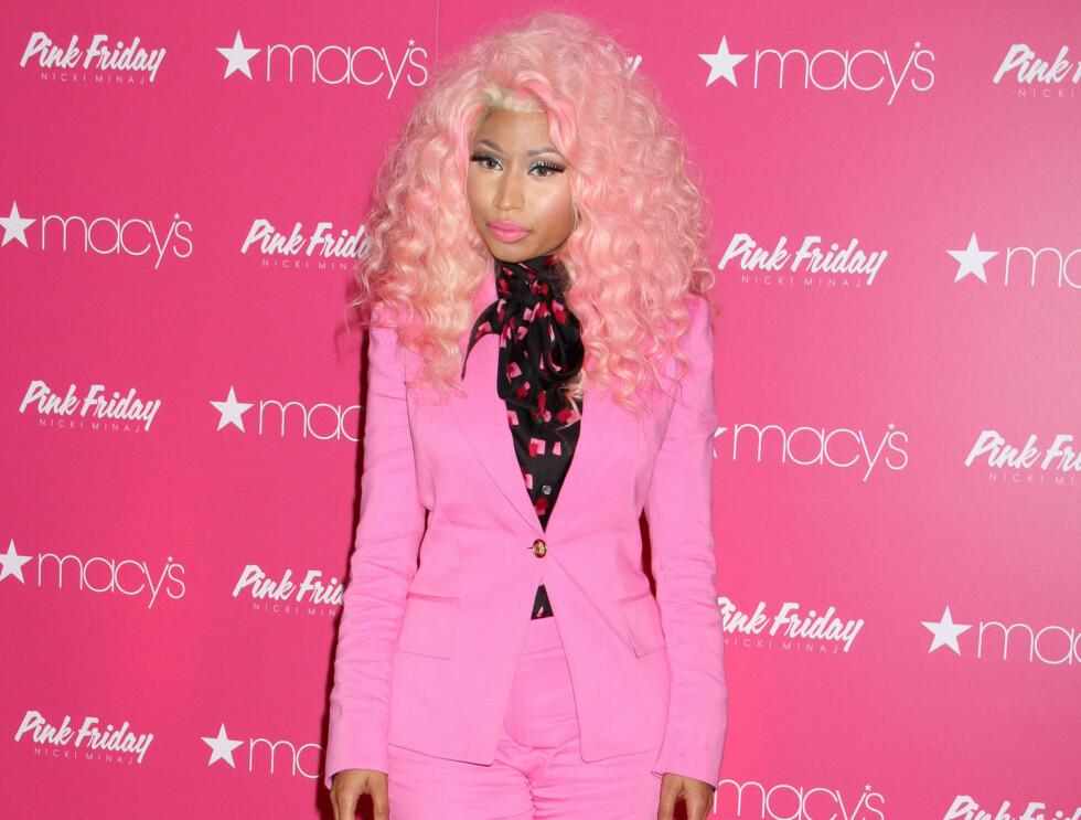 50950651 Rapper Nicki Minaj attends Nicki Minajs Pink Friday Fragrance Holiday Season Celebration at Macys Queens Center on November 20, 2012 in New York City, NY Photo: Fame Flynet USA  Code: 4040 COPYRIGHT  FAME FLYNET SWEDEN Foto: FameFlynet Sweden