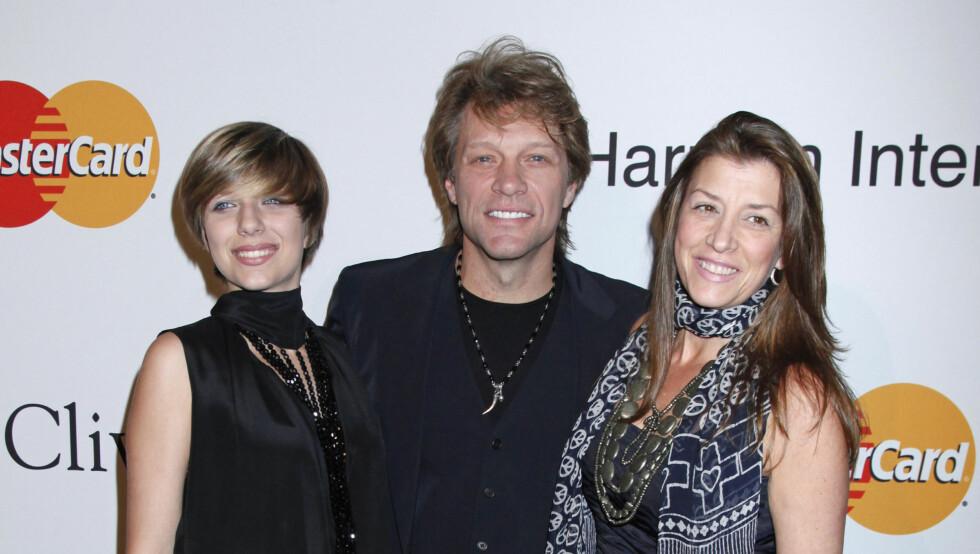 LIGGER PÅ SYKEHUS: Jon Bon Jovi og kona gjennom 23 år, Dorothea Hurley, har fire barn sammen. Datteren Stephanie er parets eldste. Foto: UPI