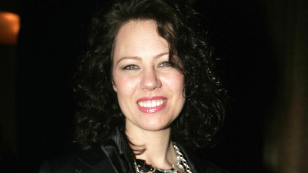 ÅPENHJERTIG: Trine Rein fortalte til programleder Silje Stang at hun synes det har vært tøft å se hvordan sykdommen har satt samboeren ut av spill. Foto: Stella Pictures