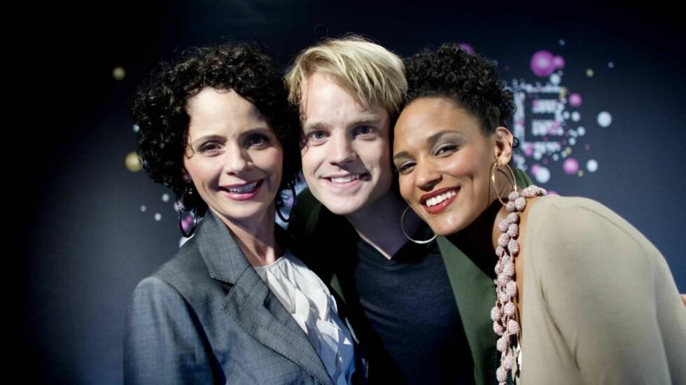 FLOTT TREKLØVER: I 2010 var Haddy N'jie programleder for Eurovision Song Contest i Telenor Arena sammen med Nadia Hasnaoui og Erik Solbakken. Foto: Scanpix