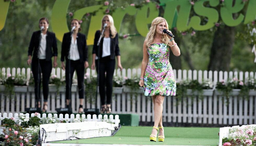 ALLSANG: Pernilla Wahlgren opptrådte på «Allsang på Grensen» på Fredriksten Festning i Halden i sommer. Foto: NTB scanpix
