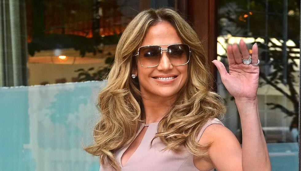 FIKK VASKEHJELPEN SPARKET?: Vaskehjelp Pray Dodaj hevder Jennifer Lopez fikk henne sparket. Det mener ikke Lopez selv. Foto: Stella Pictures