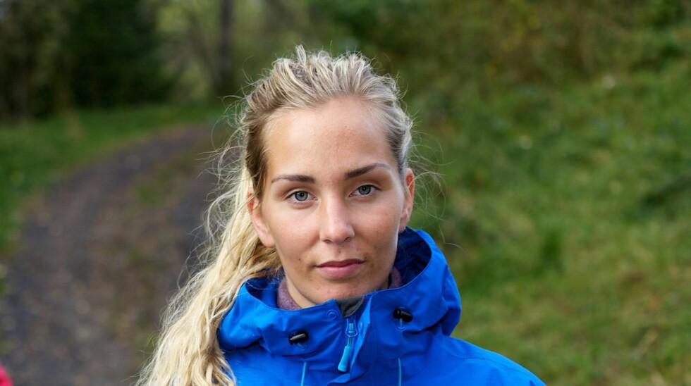 """BILDER HAVNET PÅ PORNONETTSIDE: Kristina Myrseth Moe er glad hun beholdt bikinien på da flere andre """"Farmen""""-deltagere bestemte seg for å nakenbade. Foto: TV 2"""