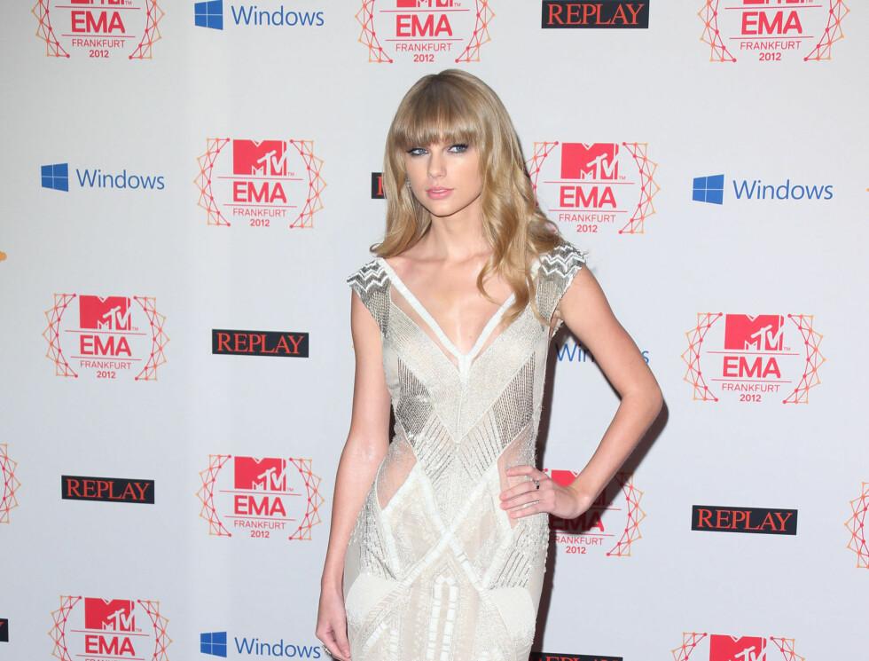 FØRSTE GANG: Popstjernen hadde aldri vunnet en MTV EMA-pris før i kveld. Foto: All Over Press