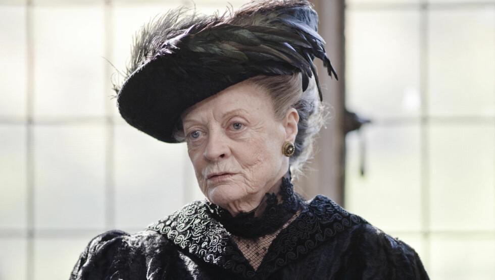 NRK-STJERNE: Dame Maggie Smith spiller i den populære NRK-serien «Downton Abbey». Foto: NRK