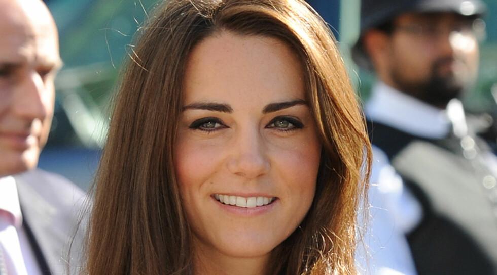 ALT FOR KJÆRLIGHETEN: Hertuginne Kate er allergisk mot hester, men skal ha startet med ridning igjen for å gjøre ektemannen glad.  Foto: FameFlynet