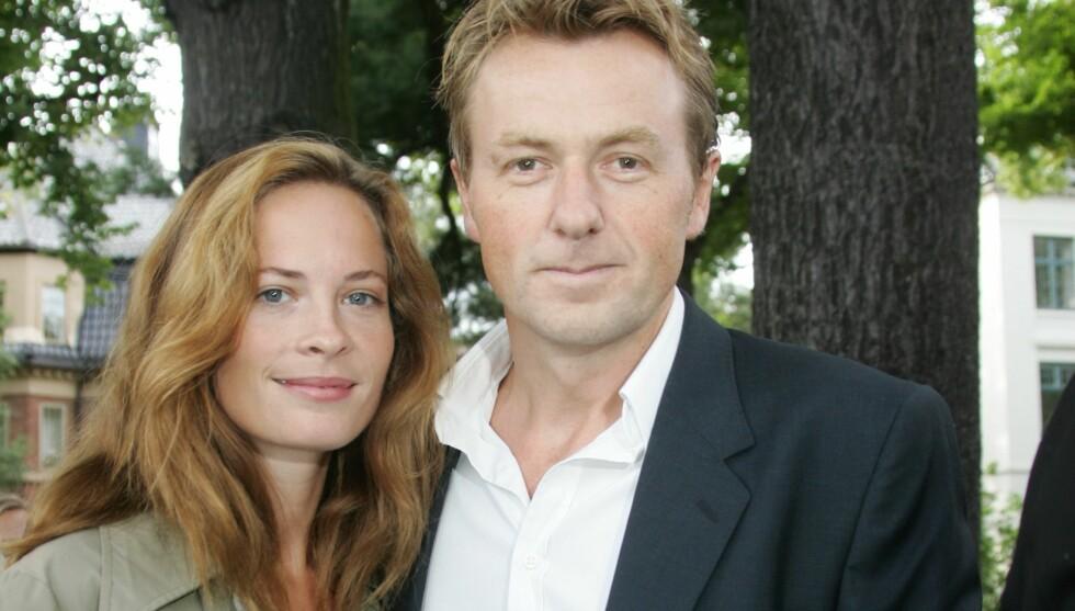 IKKE PLANLAGT: Skuespiller Maria Bonnevie var godt etablert i Stockholm, der hun er fast ansatt på Dramaten, da hun ble kjent med Fredrik Skavlan - som bodde i Oslo. I dag er de to samboere og jobber begge mye i Stockholm, selv om de bor i Norge med datt Foto: FAME FLYNET