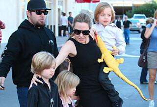 Tok med barna på Halloween-shopping