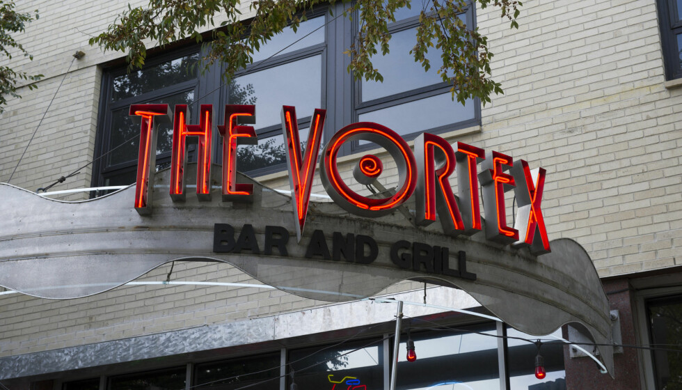 BLE ARRESTERT: Sam Worthington ble arrestert lørdag, da han ifølge lokalt politi angrep vakten som nektet ham inngang på restauranten The Vortex i Atlanta. Foto: All Over Press