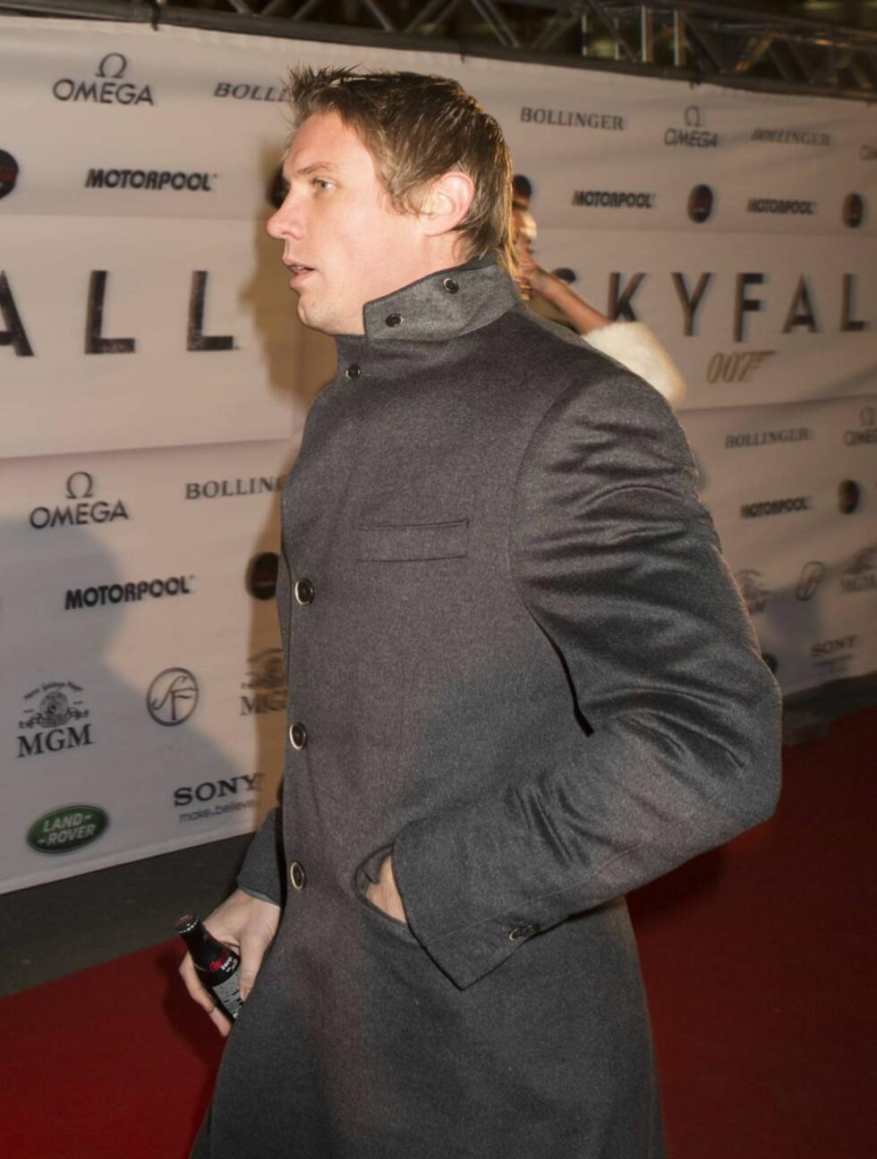 HASTET INN: Spydkaster Andreas Thorkildsen fortet seg inn til premieren noen minutter før agent 007 entret lerretet. Foto: Espen Solli / Se og Hør