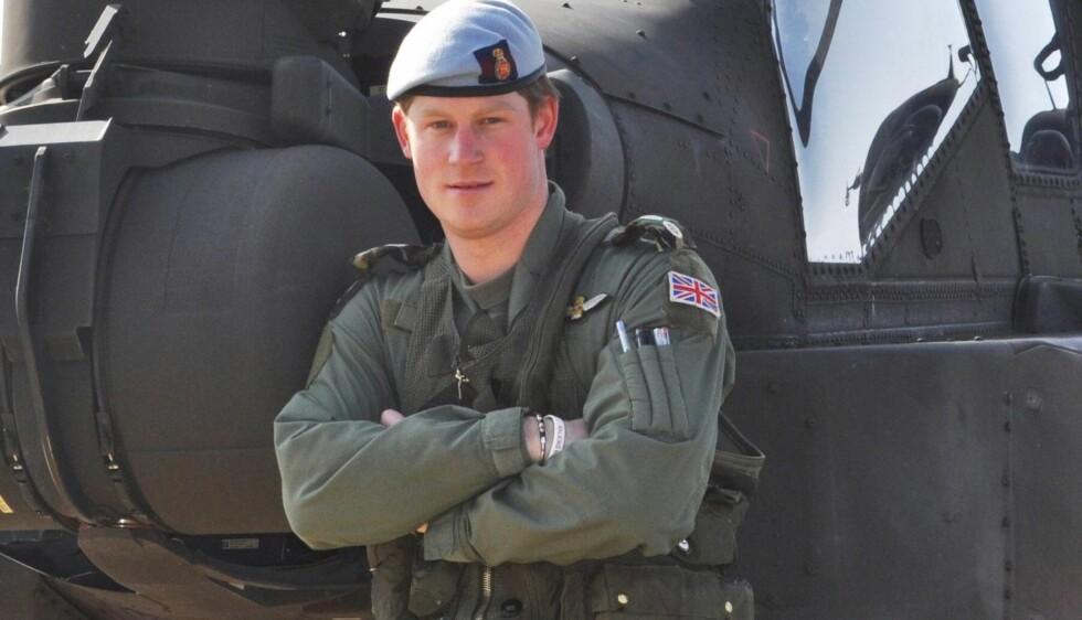 SOLDAT: Harry tjenestegjør for tiden i Afghanistan som annenpilot i et Apache-helikopter.  Foto: All Over Press