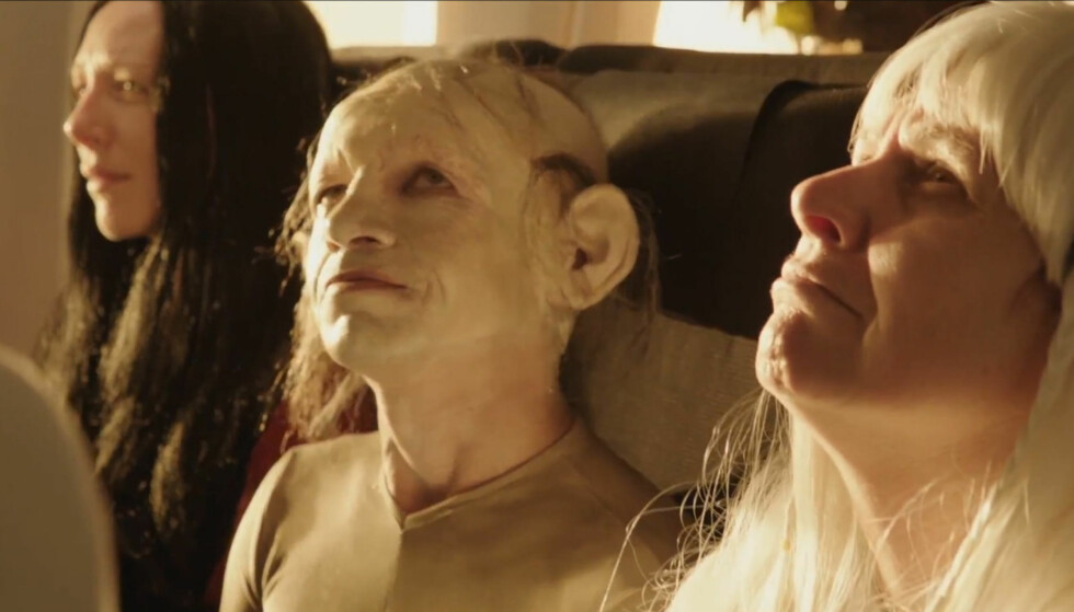 EN UVENTET REISE: Gollum og flere andre skikkelser fra Peter Jacksons Tolkien-filmer dukker opp i en ny sikkerhetsvideo fra Air New Zealand.