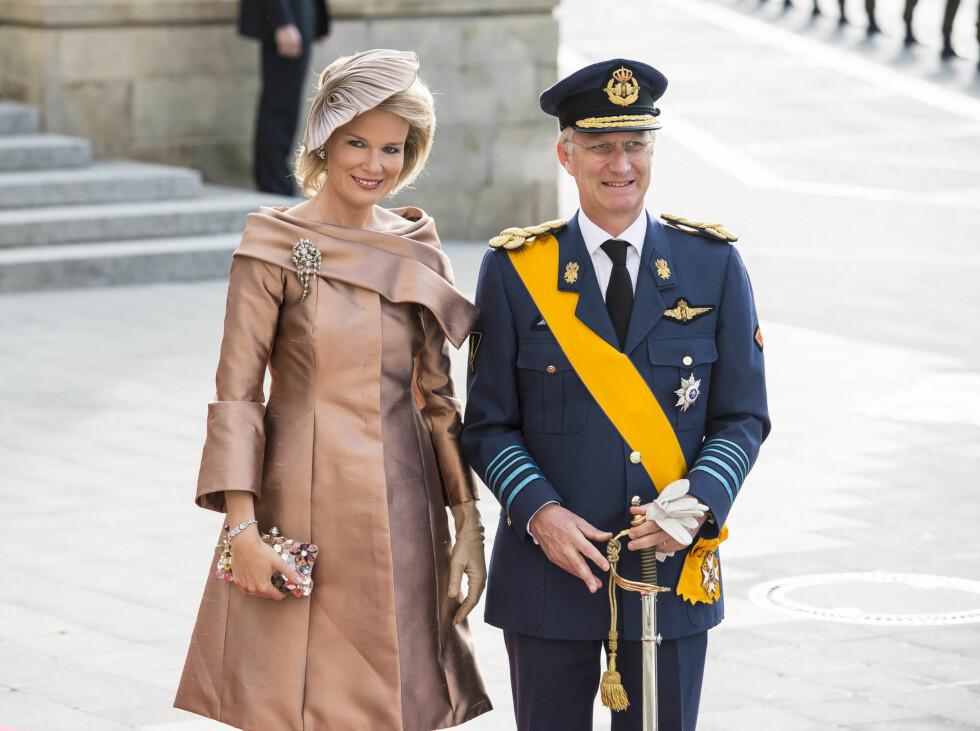 BRONSE: Belgias prinsesse Mathilde strålte i en bronsefarget kjole.  Foto: Fame Flynet