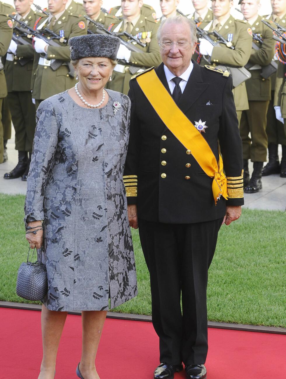 Dronning Paola og kong Albert II av Belgia var naturlige gjester i det kongelige bryllupet i nabolandet. Foto: FameFlynet