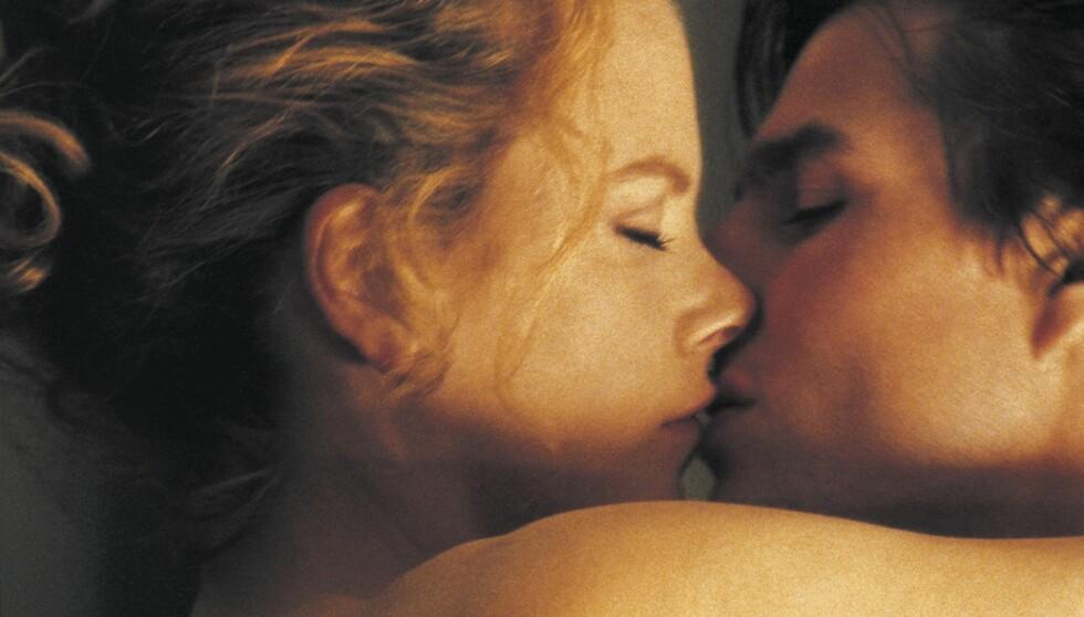 HETT: Nicole Kidman og Tom Cruise spilte ekteparet Alice og Dr. Bill i den erotiske thrilleren «Eyes Wide Shut» fra 1999 - da de selv var mann og kone. Foto: Stella Pictures