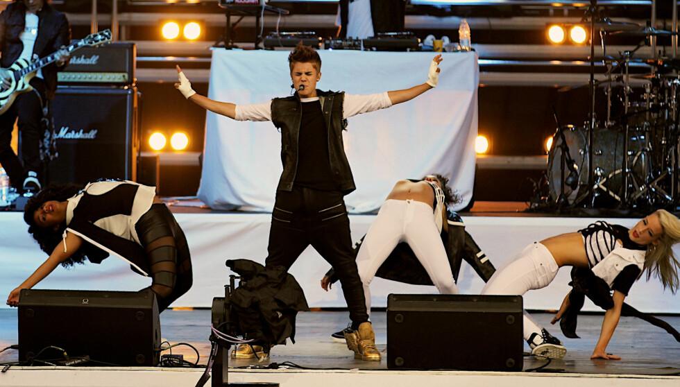 NORGESVENN: I mai i år sto Justin Bieber på scenen ved Operaen i Oslo, til vill jubel fra flere tusen ungjenter som hadde kommet for å se 18-åringen opptre gratis. Foto: Stella Pictures