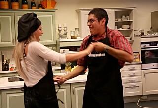 Her svinger Linni seg på kjøkkenet