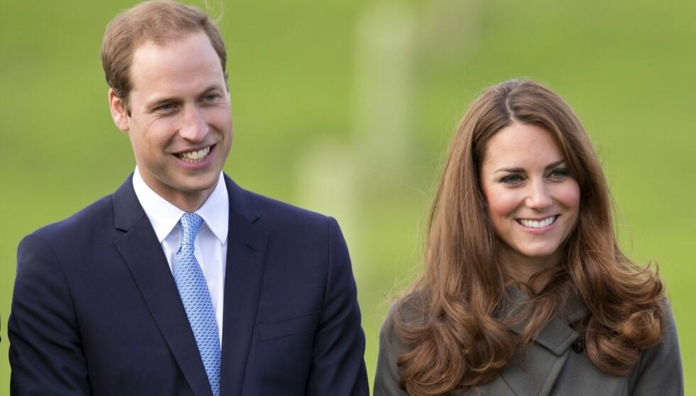 GAVMILDE: Prins William og hans kone Kate har ikke glemt møtet med den verdensberømte skuespillerinnen, og sendte barselgave da Witherspoon hadde født. Foto: All Over Press