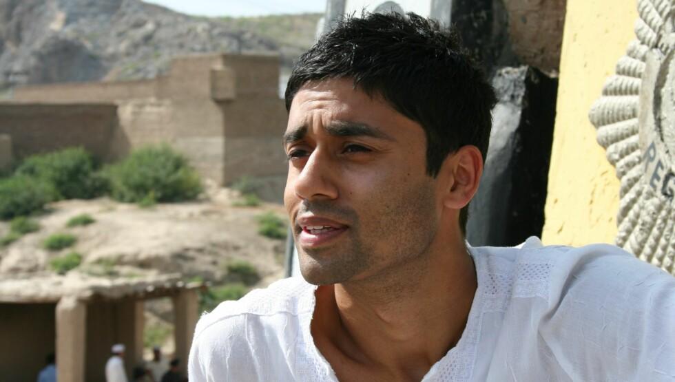 FORFULGT: Noman Mubashir forteller at han er ahmadia-muslim. De blir forfulgt i foreldrenes hjemland, Pakistan.  Foto: NRK