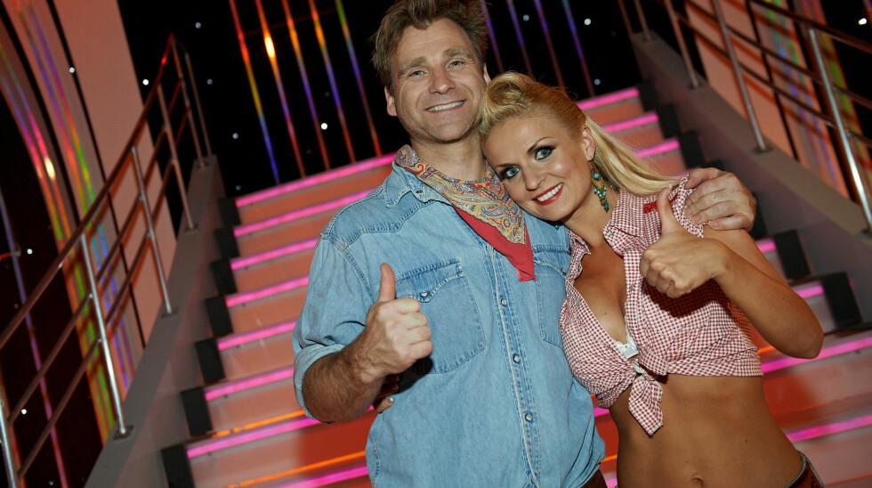 MOTTAR FRIERBREV: Nadya Khamitskaya mottar mange frierbrev på vegne av dansepartner Vebjørn Sand. Foto: Stella Pictures