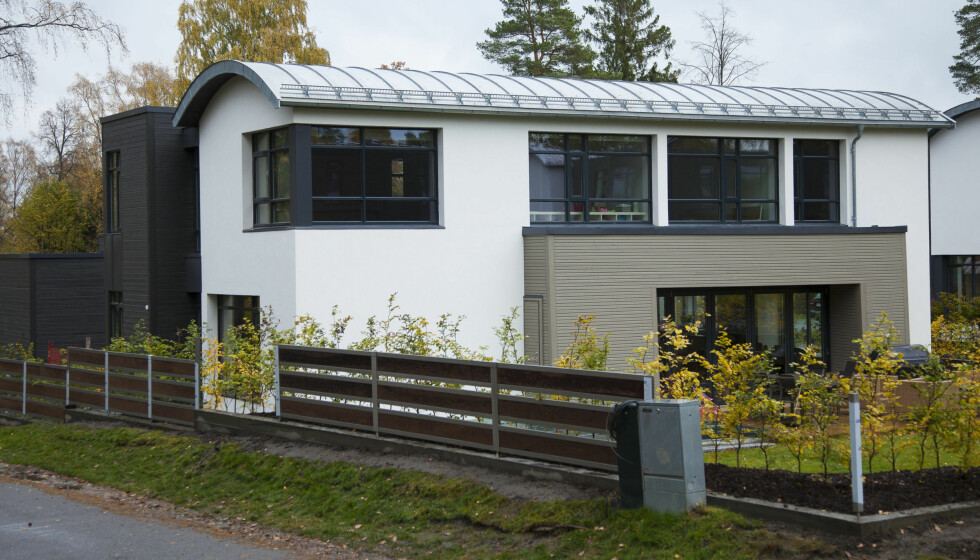 NY VILLA: Lasse Kjus har kjøpt seg denne villaen på Snarøya. Foto: Erlend Haugen/Se og Hør
