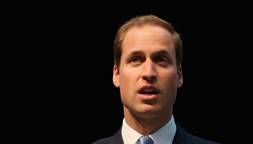 TRIST: Prins William er i sorg etter å ha mistet barnepiken som oppdro ham og hjalp ham gjennom sorgen etter morens død. Foto: All Over Press