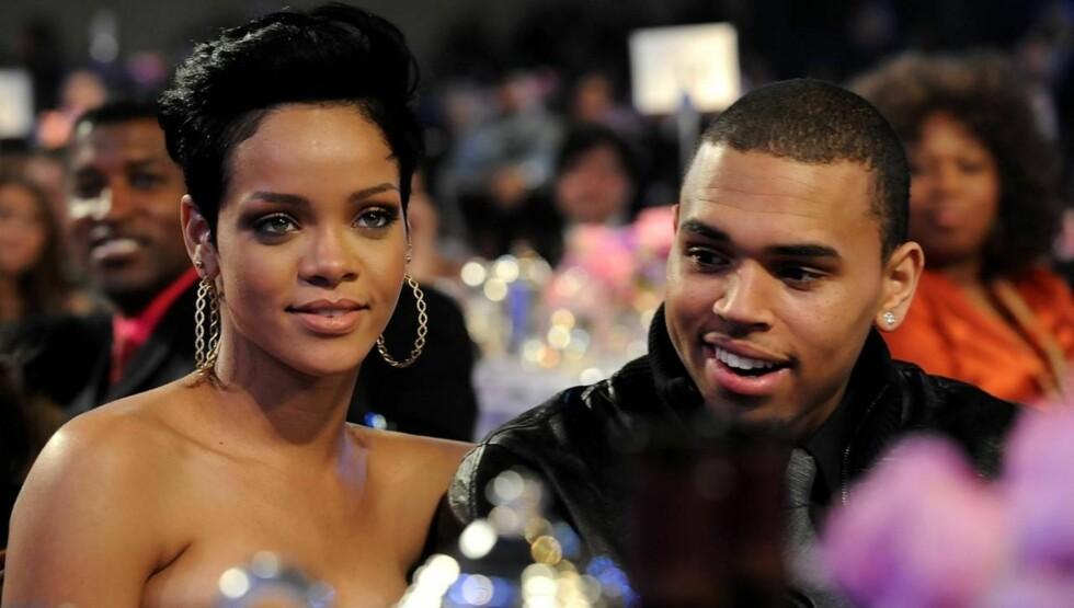 SAMMEN IGJEN?: Chris Brown mener Rihanna ikke har noe med bruddet hans å gjøre, men mandag ble de to observert i hete omfavnelser på en nattklubb. Foto: All Over Press