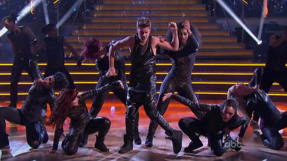 KASTET OPP: Justin Bieber kastet opp under en konsert i Arizona. Foto: Stella Pictures