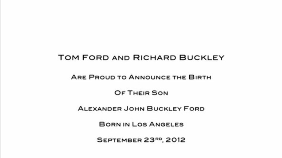 STILFULLT: Designeren og den tidligere moteredaktøren er to stilfulle herremenn, og sendte ut denne beskjeden gjennom det sosiale nettstedet Twitter da de to annonserte sønnens fødsel. Foto: Twitter