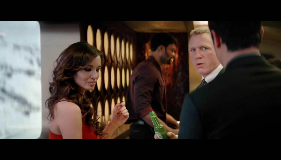 ØL: Har James Bond byttet ut martinien med øl? Svaret får du i «Skyfall» (bildet), som har premiere i slutten av oktober.  Foto: Stella Pictures