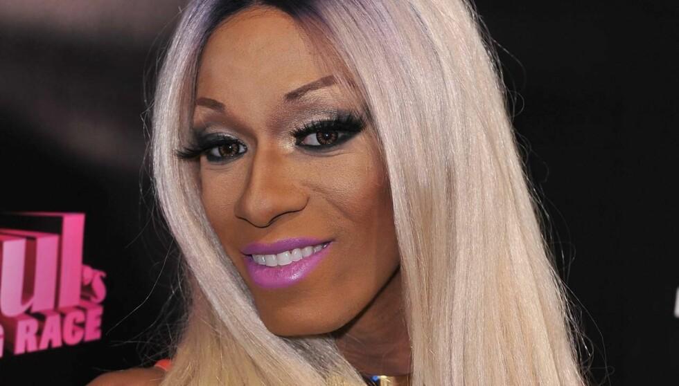 DØD: Antoine Ashley, bedre kjent som artisten Sahara Davenport  ble kjent gjennom reality-showet «RuPaul's Drag Race». Her fra premierefesten i januar i år. Foto: All Over Press