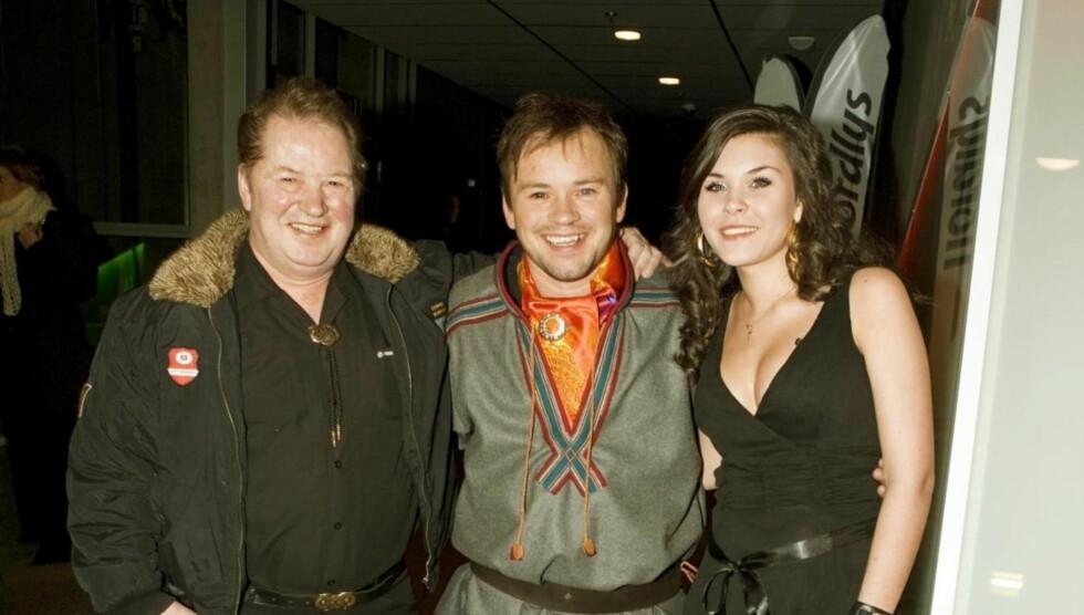 MED FAREN: Mikkel Gaup stilte opp sammen med faren og datteren Maiken Madelen under Tromsø internasjonale filmfestival i 2008. Foto: Geir Egil Skog / Se og Hør