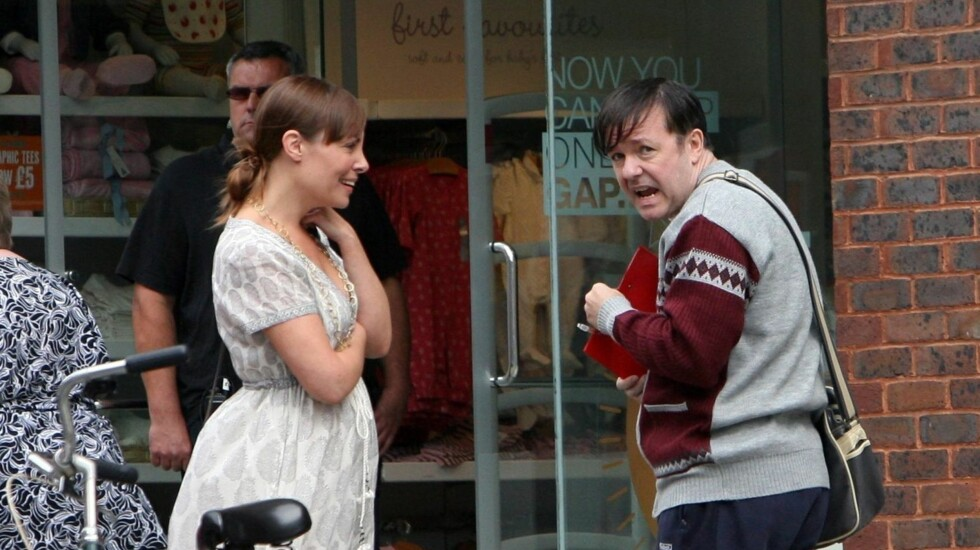 """UNDER INNSPILLING: Det var under innspilling av den nye TV-serien """"Derek"""" Gervais måtte til sykehuset i full fart. Foto: FameFlynet"""