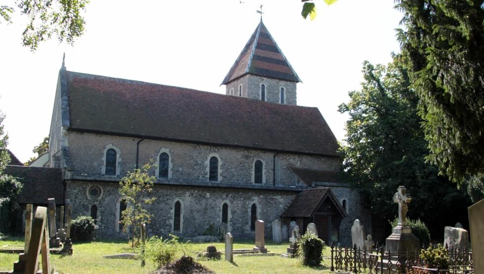 GIFTET SEG SAMME STED SOM FORELDRENE: Den idylliske kirken i landsbyen Davington i Kent var rammen for bryllupet til Peaches Geldof og Tom Cohen. Foto: Stella Pictures