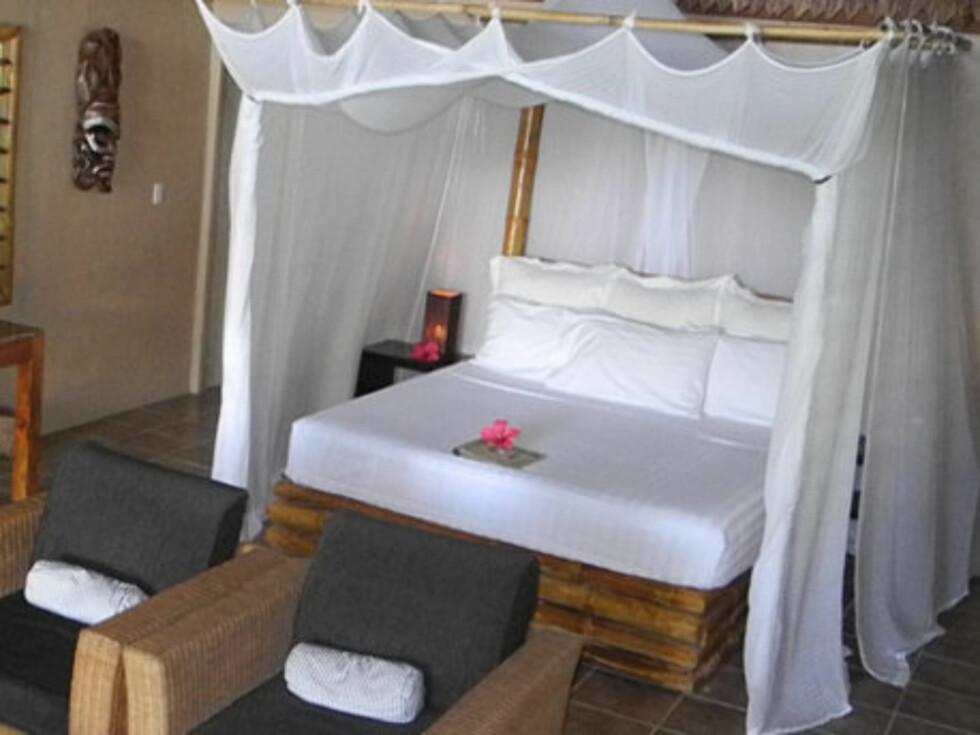 KING SIZE: Kate og William skal sove i en slik seng med myggnetting over.