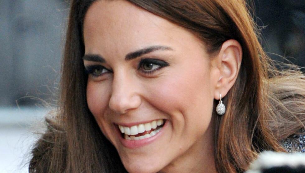 MRS. CAMBRIDGE: Hertuginne Kate, het før Kate Middleton, nå kaller hun seg Mrs. Cambridge. Foto: All Over Press