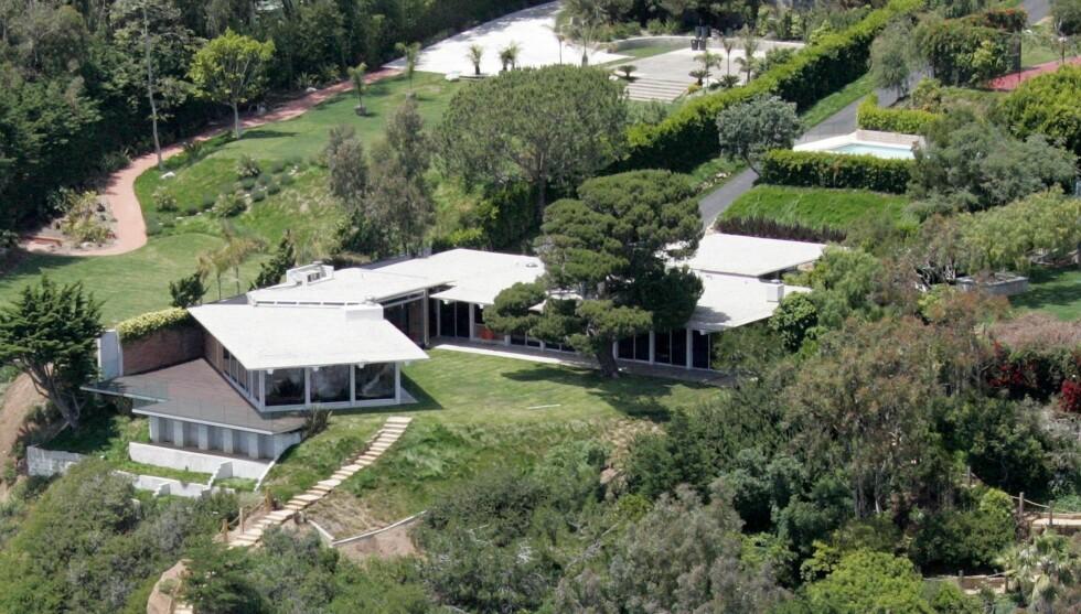 IDYLL: Slik ser huset, som både Brad Pitt og Ellen DeGeneres har solgt med profitt, ut. Foto: Stella Pictures