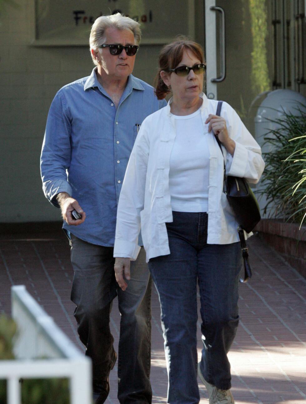 48 ÅR: Martin Sheen (72) er kjent fra blanet annet «Apokalypse nå» og «The Departed». Han er også faren til skandalemakeren Charlie Sheen, og har tre andre barn med Janet Templeton, deriblant Emilio Estevez. Foto: Stella Pictures