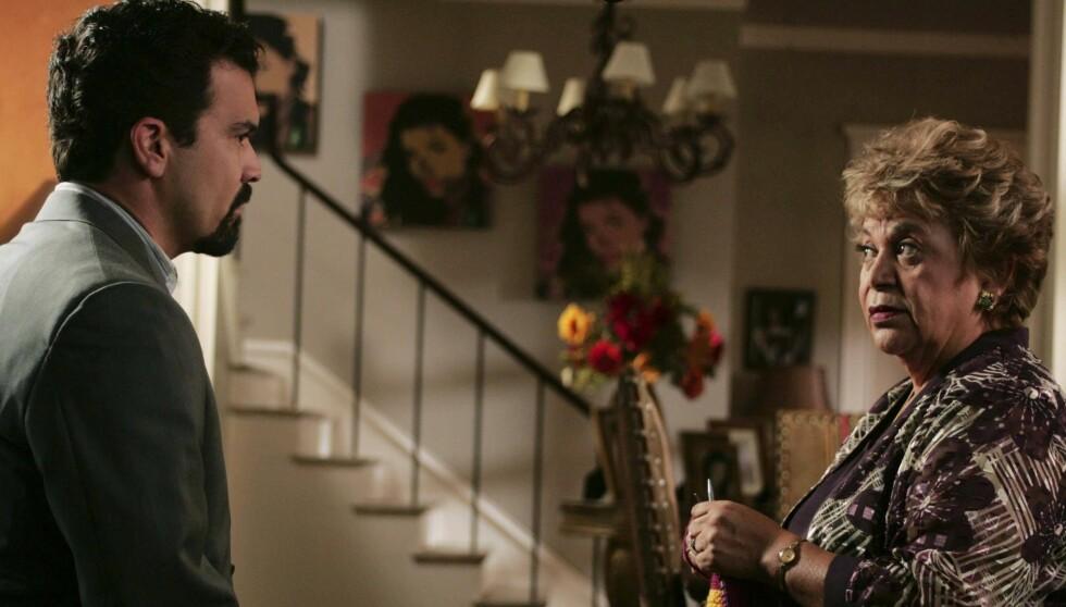 VANT EMMY: Her er Lupe i rollen som Juanita Mama Solis i «Frustrerte Fruer». Den vant hun Emmy-pris for i 2005. Foto: All Over Press