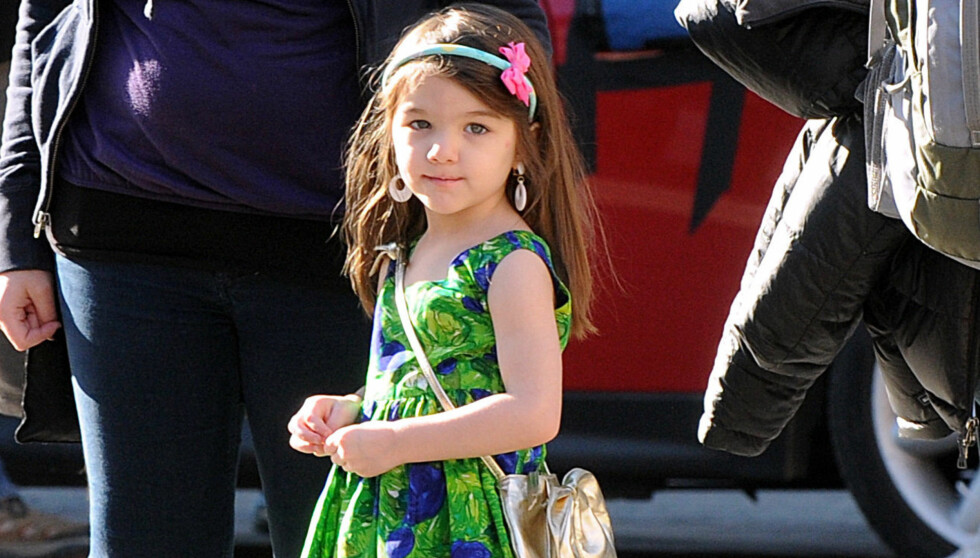 FASHIONISTA: Lille Suri Cruise er best kledd av alle kjendisbarn ifølge en ny kåring. Foto: Fame Flynet