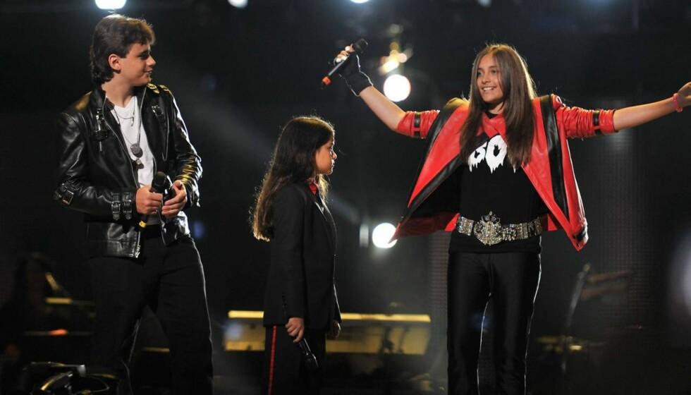 GLAD I DIANA: Michael Jacksons tre barn, Prince, Blanket og Paris skal visst ha knyttet bånd til gudmoren sin Diana Ross. Selv om minstemann kanskje ikke kjenner henne like godt. Foto: Fame Flynet
