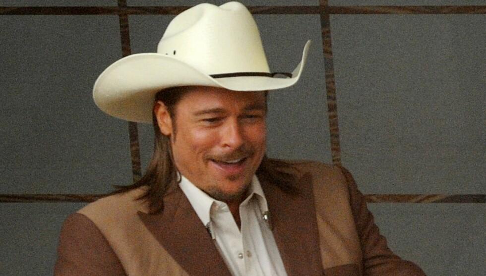 2012:  Her er Brad i den hvite cowboyhatten igjen, i filmen «The Counselor». 21 år etter rollen i «Thelma and Louise». Foto: Fame Flynet