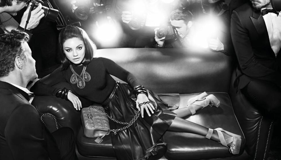 MODELL-MATERIALE: Skuespiller Mila Kunis er mest kjent for sin innsats på TV-skjermen og filmlerretet, men det siste året har hun stilt opp som fotomodell for motehuset Christian Diors veskekolleksjoner. I den ferske kampanjen stråler hun som en yndig  Foto: Stella Pictures