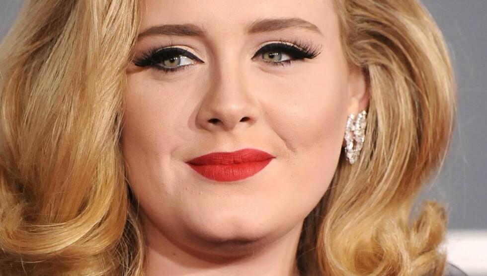 GRAVID: Adele venter barn i september og kan nesten ikke vente med å bli mamma for første gang.  Foto: All Over Press