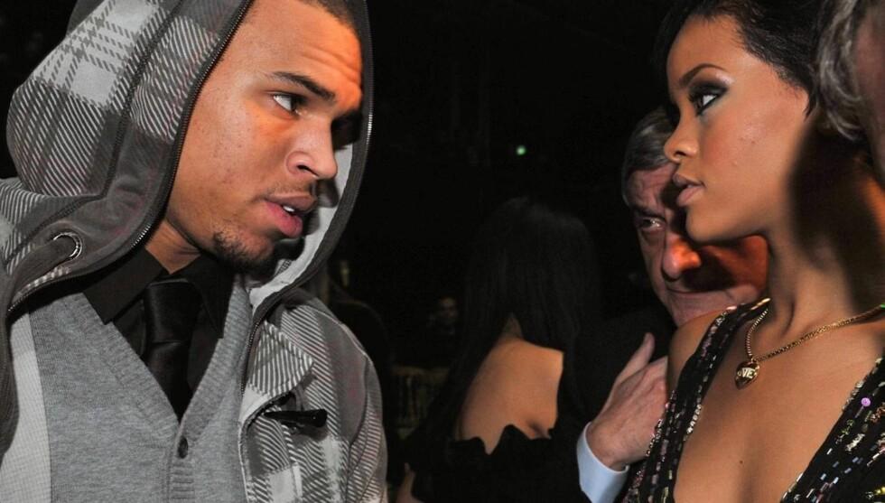 SAMMEN IGJEN? Rihanna og Chris Brown var sammen i 2009, og gjorde det slutt etter at han banket henne opp. Derfor ble mange overrasket da de to eks-kjærestene tidligere i år festet med hverandre og spilt inn frekk duett sammen. Foto: Fame Flynet