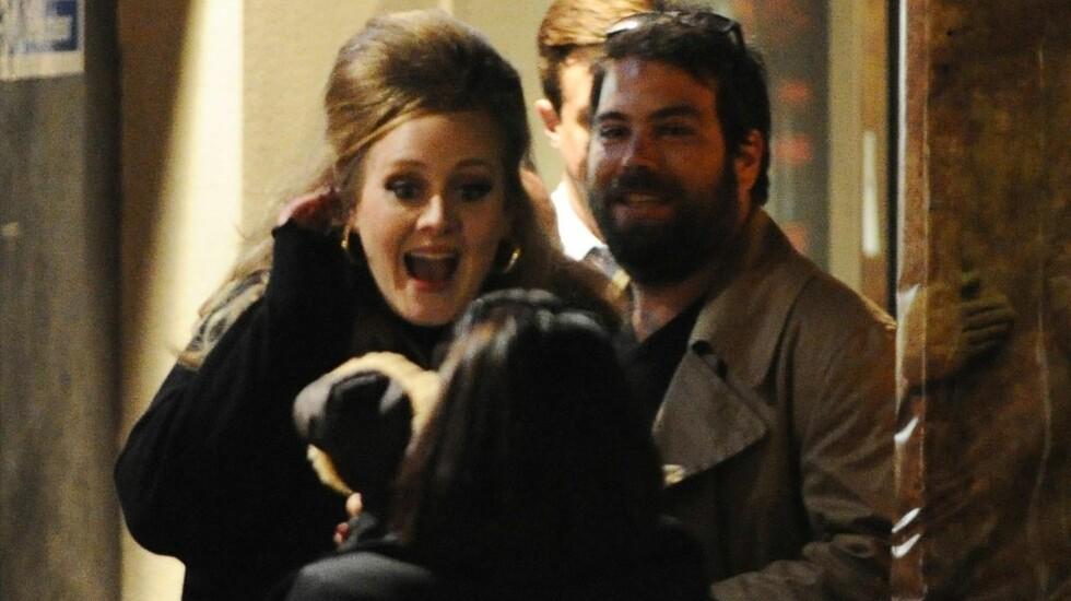 FRIR SNART: Kilder nær paret hevder at Adeles kjæreste Simon Konecki planlegger å fri.  Foto: FameFlynet Norway