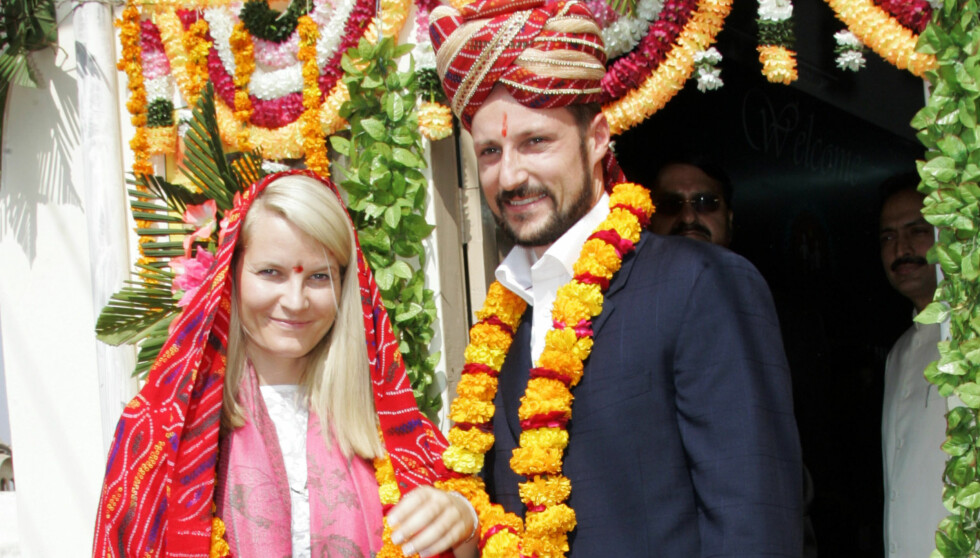 I INDIA: Kronprinsesse Mette-Marit er for tiden i India. Dette bildet er fra en tidligere visitt i landet. Denne gangen er ikke kronprins Haakon med. Foto: NTB scanpix