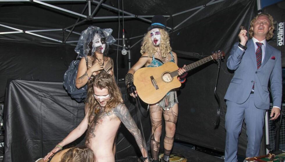 <strong>VILL BURSDAG:</strong> Bursdagsfeiringen til Sverre Goldenheim utartet seg til en orgie på scenen da «Fuck For Forest» opptrådte. Foto: Tor Lindseth/Se og Hør